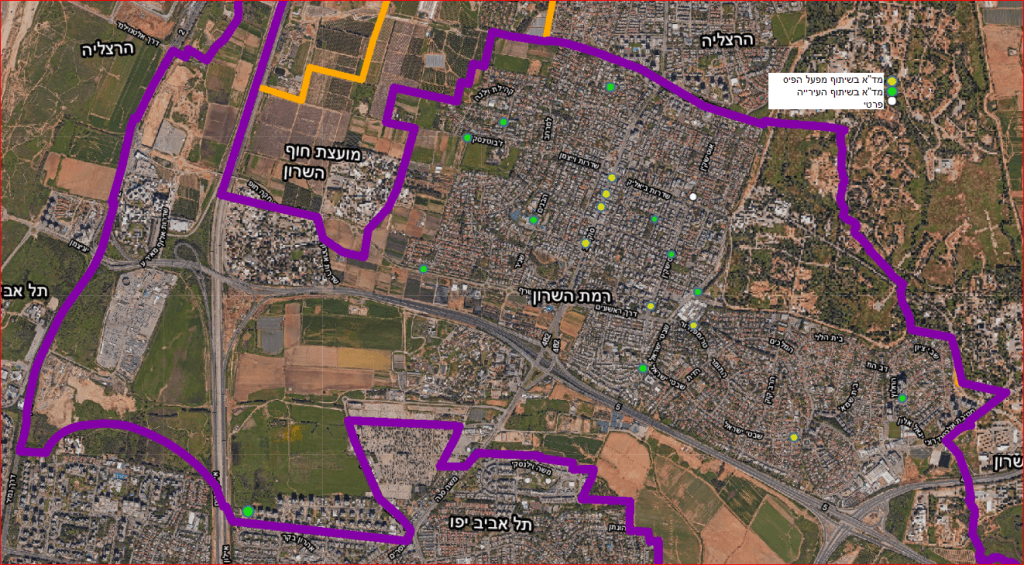 מפת פריסת הדפיברילטורים בעיר - עם נעיצות במקומות המצוינים ברשימה.